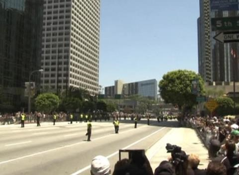 News video: Kings Fans Celebrate Stanley Cup Win with Parade