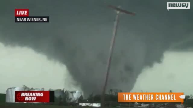 News video: Deadly Twin Tornadoes Rip Through Nebraska Town